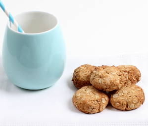 Easy Coconut and Oat Cookies