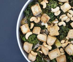 Soba Noodles with Tofu, Greens and Cashews